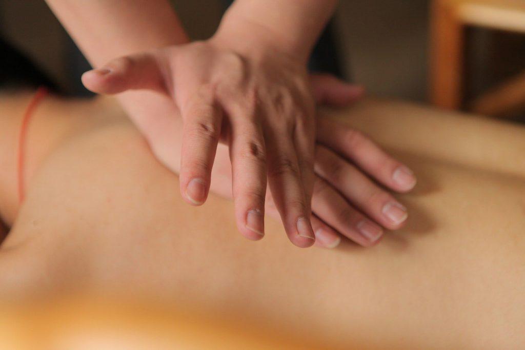 traditional chinese 3666269 1920 1024x683 - Abhyanga-Massage